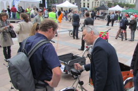 Sustainable 2Wheels Takes Cycling to EU Politicians