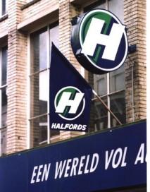 Halfords NL: Attack on Dutch Bike Market
