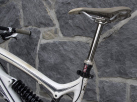 Kind Shock's 'Clean' Hydraulic Seatpost
