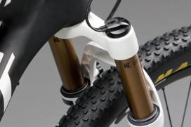 Fox發表與Shimano 聯手開發出之登山車電子避震器控制系統