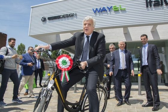 Gian Luca Galletti, Italy's Minister of Environment, officially opened the new Five e-bike factory.