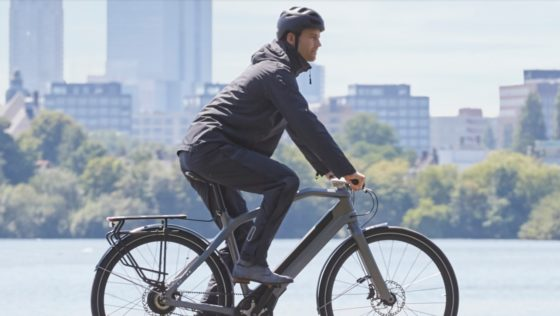 Basil Unveils Fashionable and Functionable Rainwear for Cyclists